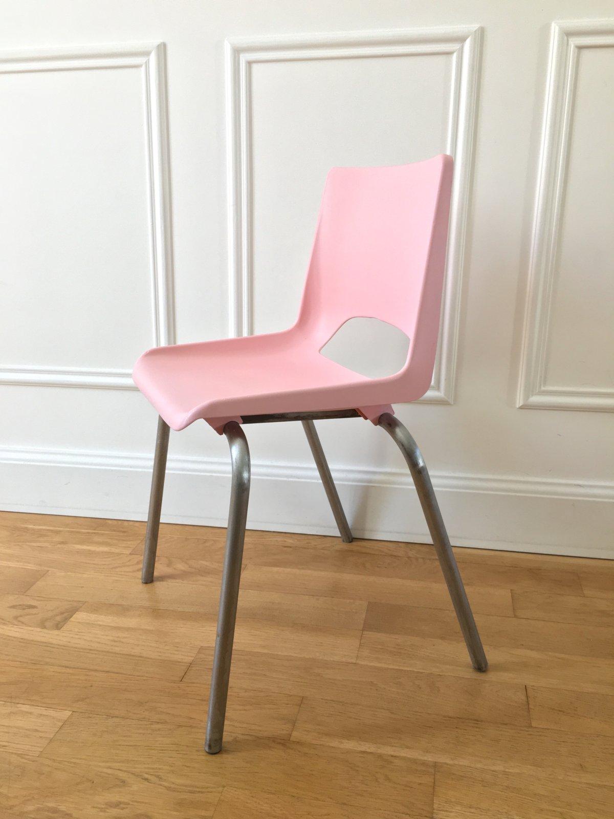 Chaise écolier rose